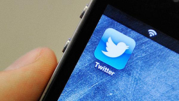 Мобильное приложение Твиттера на смартфоне